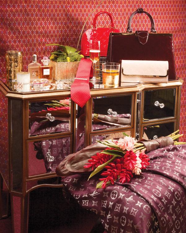 Jewelry-Louis-Vuitton-Chanel-Folli-Follie-Tom-Ford