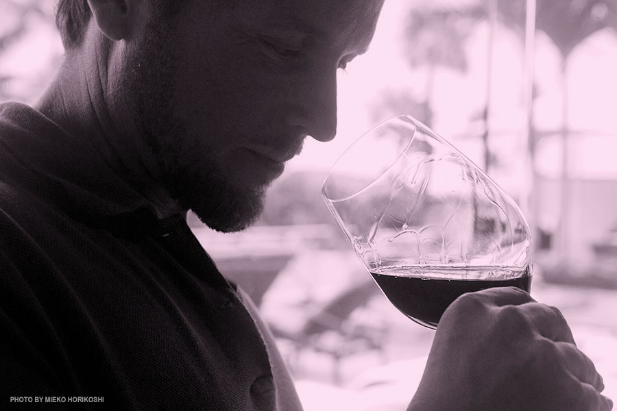 smelling wines