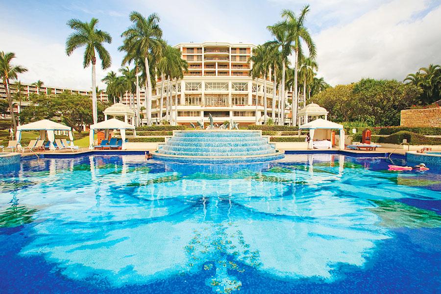 Grand Wailea Maui resort swimming pool