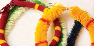 feather lei
