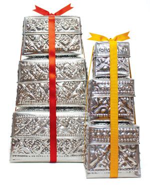 silver tin nesting boxes
