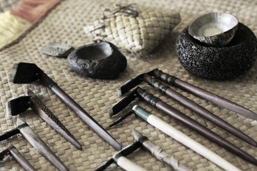 hawaiian-tattoo-tool