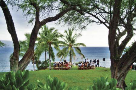 Unforgettable maui wedding sites for couples who dream of a wedding as individual as themselves maui is the perfect place here trade winds terrain and the wide pacific have conspired junglespirit Choice Image