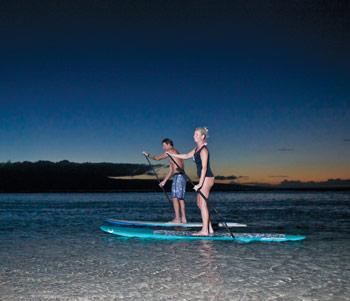 night-paddling-SUP-Maui-Hawaii