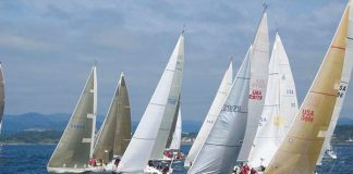 yachts race