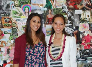 women networking maui
